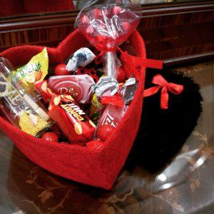 پک کادویی قلبی شکلات