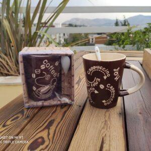 لیوان قهوه و کافی