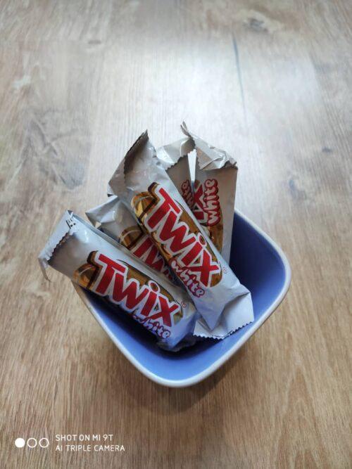 شکلات توئیکس شیری سفید