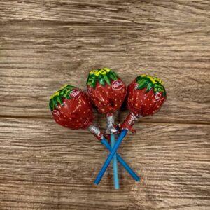 آبنبات چوبی توتفرنگی